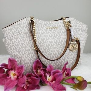 🌺NWT Michael Kors LG Chain Shoulder Bag Vanilla